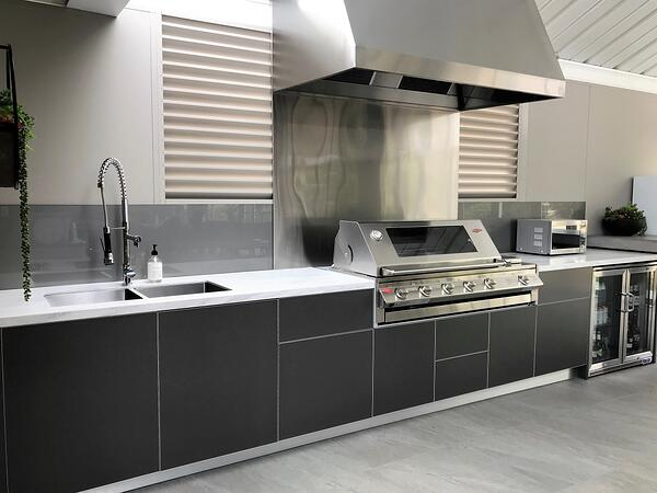 Beefeater-Signature-Metallic-Charcoal-Corian-Raincloud-Alfresco-Kitchen-Warragul-Victoria-1