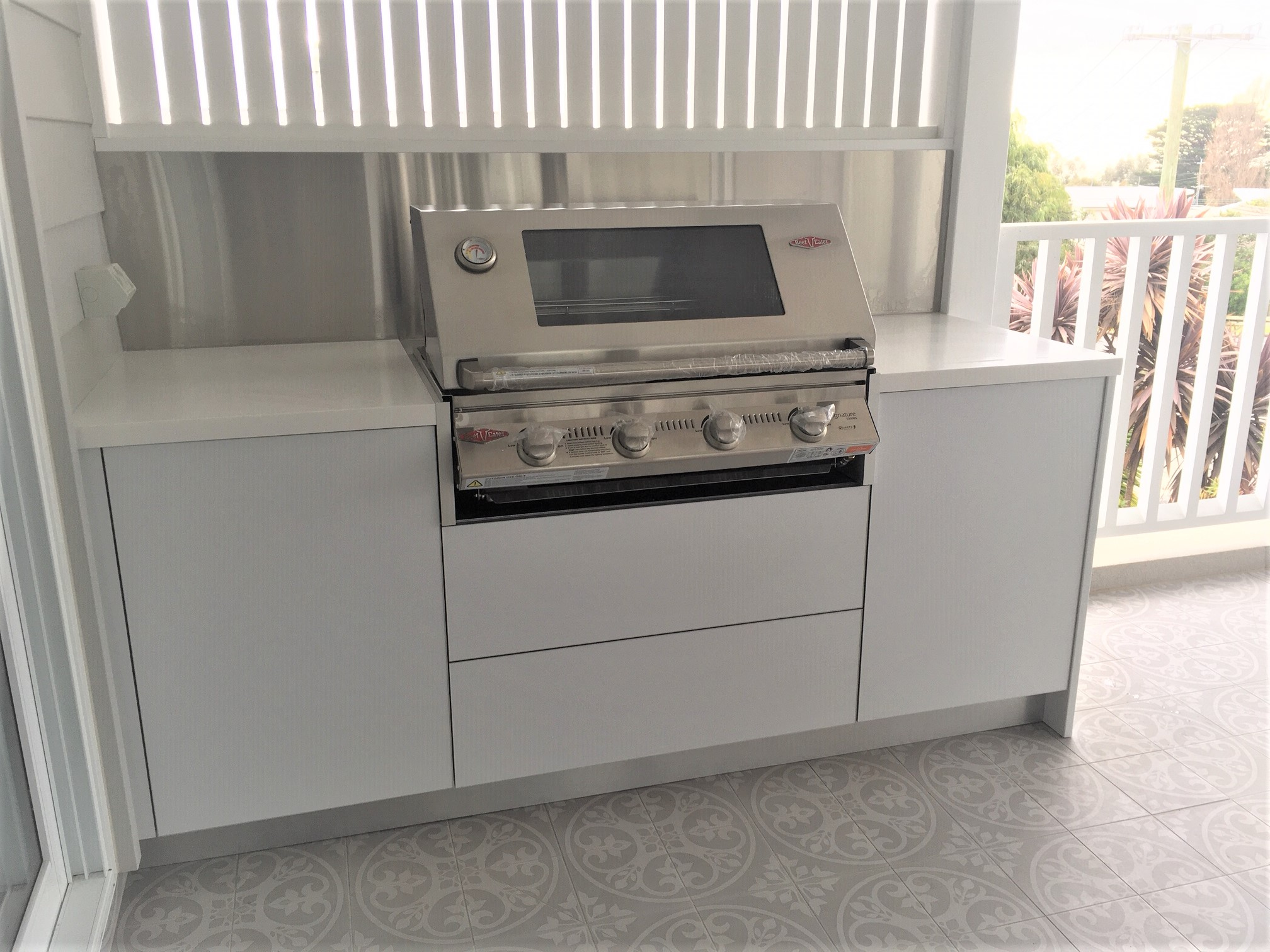 Beefeater Signature 3000SS Matte White Cabinets with Corian Glacier White Benchtops Alfresco Kitchen-1