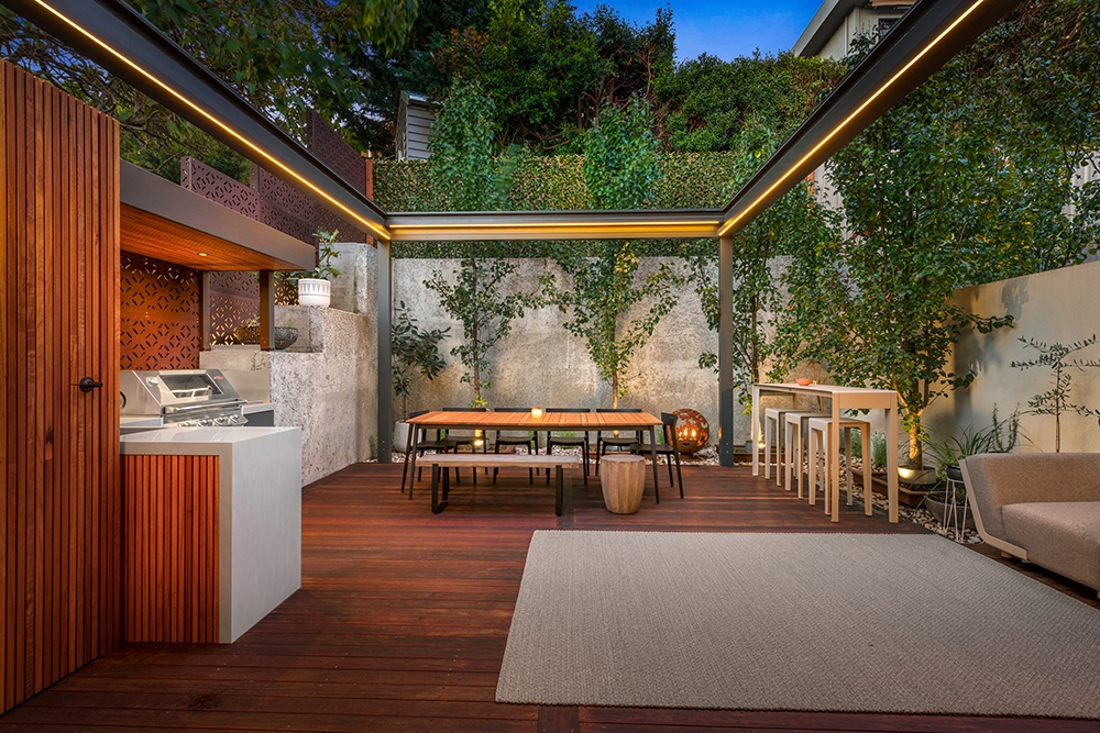 Feature Outdoor Kitchen 1