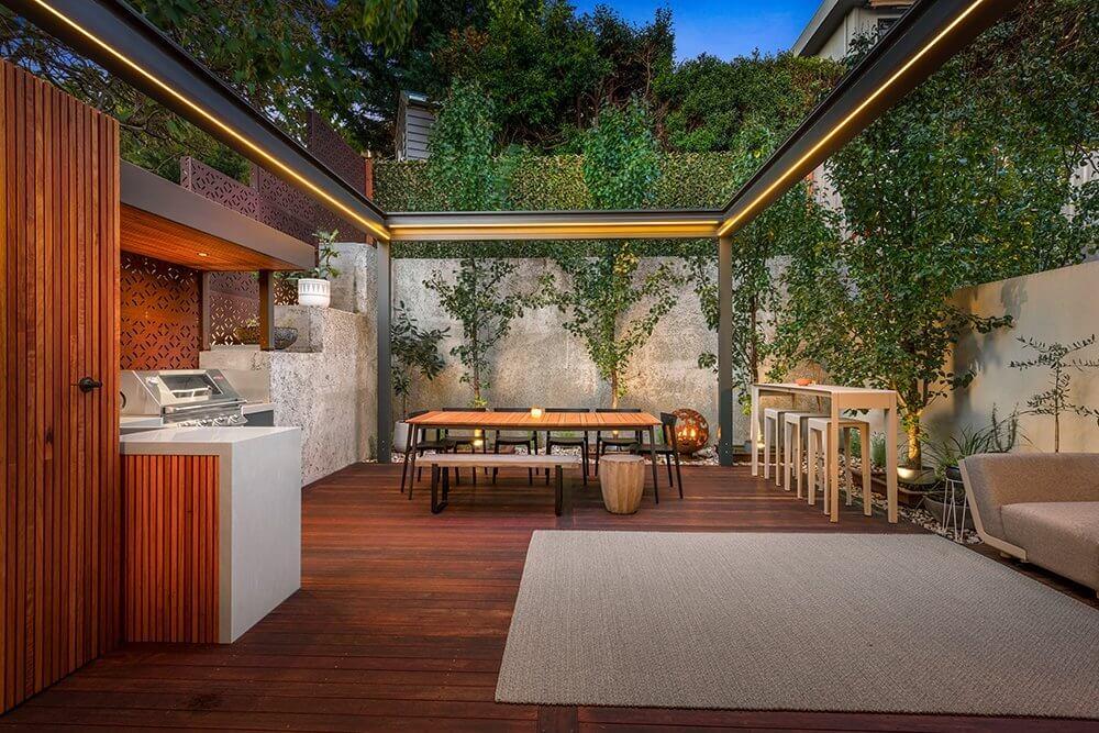 Feature Outdoor Kitchen 1