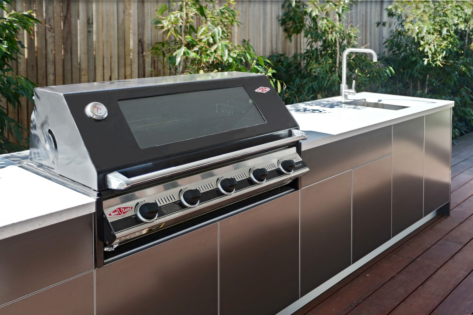 Beefeater 3000E 5 BNR Metallic Charcoal Corian Silver Birch Outdoor Kitchen 10LR