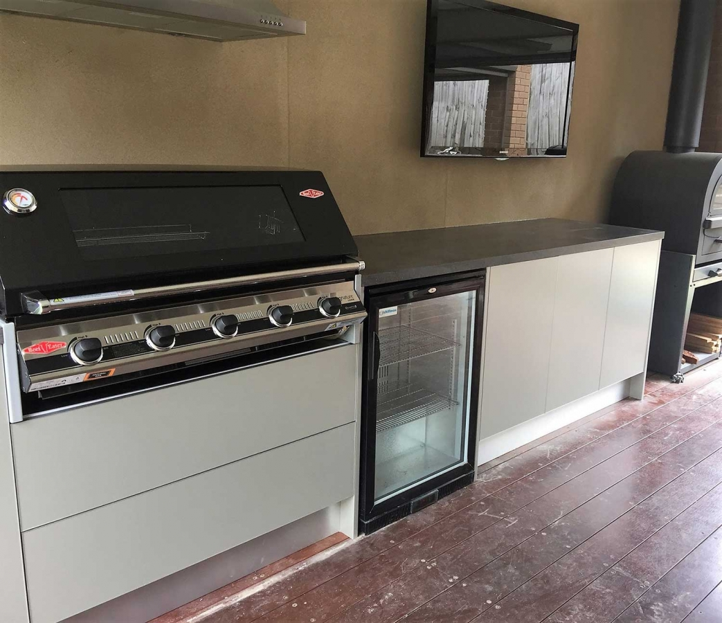 Beefeater-3000E-5-Burner-BBQ-Metallic-Champagne-Corian-Lava-Rock-Outdoor-Kitchen