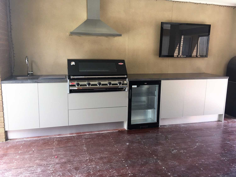 Beefeater-3000E-5-Burner-BBQ-Metallic-Champagne-Corian-Lava-Rock-Outdoor-Kitchen