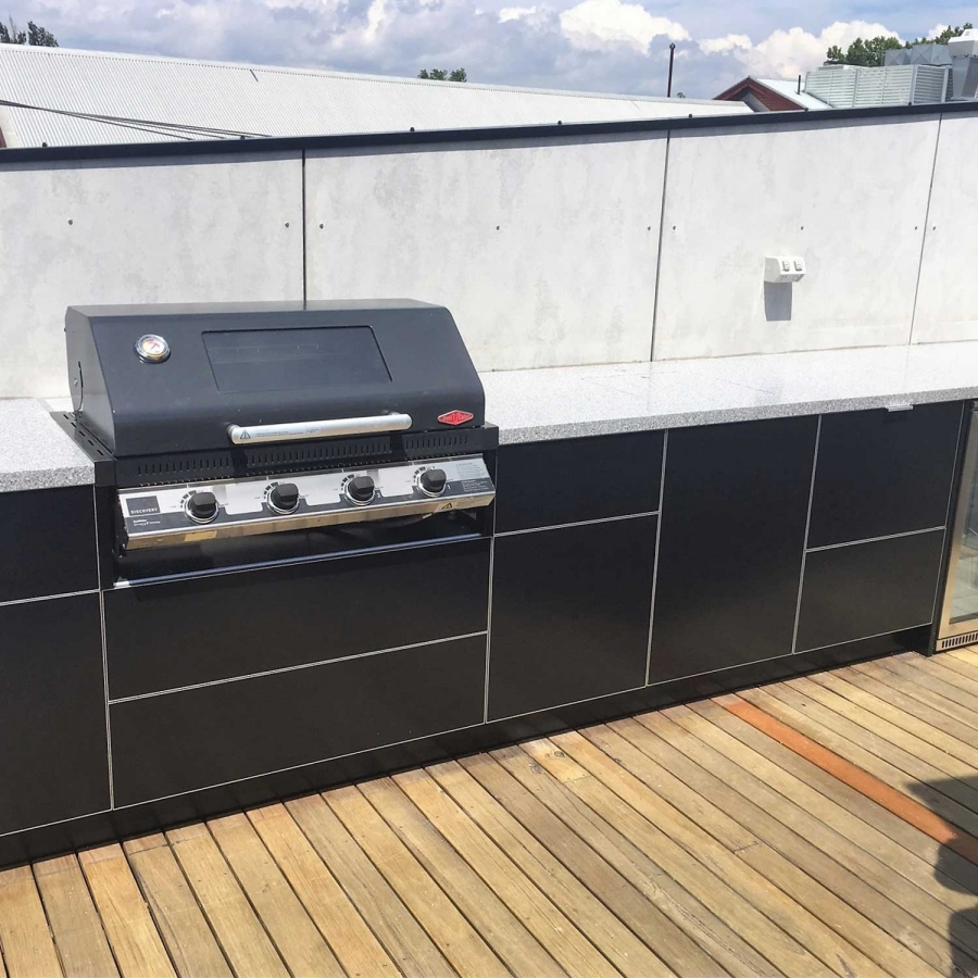 Beefeater-Discovery-Matte-Black-Corian-Platinum-Outdoor-Kitchen