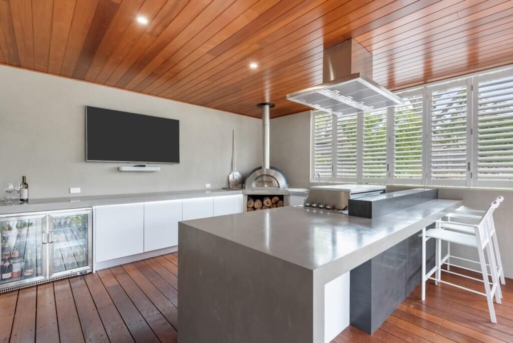 Feature Outdoor Kitchen 3