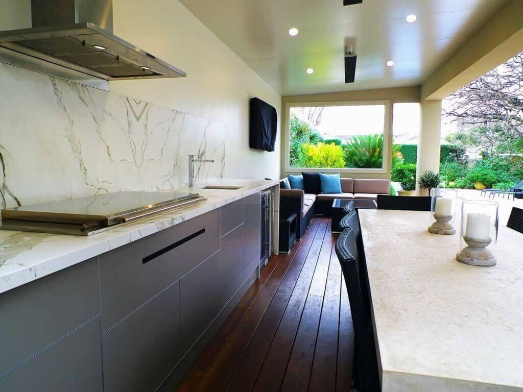 Feature Outdoor Kitchen 4
