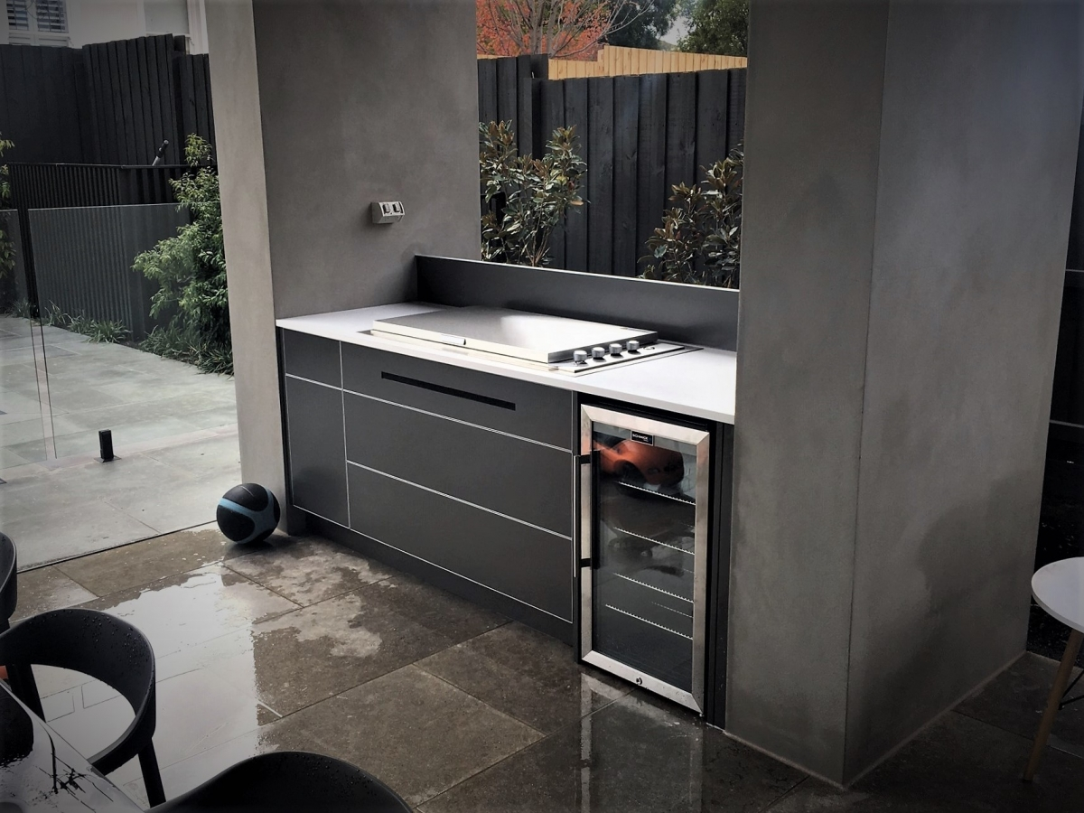 Beefeater-Proline-Lid-BBQ-Metallic-Charcoal-Corian-Glacier-White-Outdoor-Kitchen