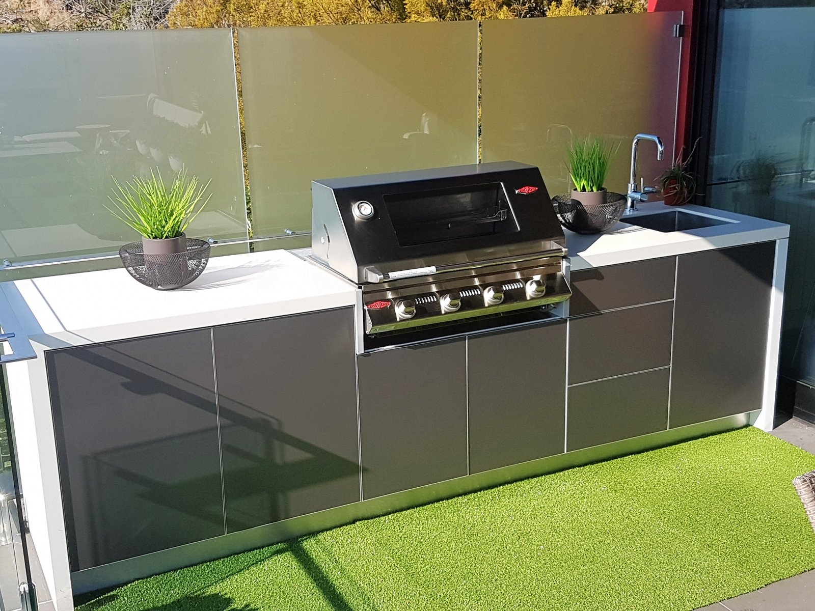 Beefeater-Signature-3000S-4-Burner-Beefeater-Outdoor-Kitchen-Metallic-Charcoal-Dekton-Zenith