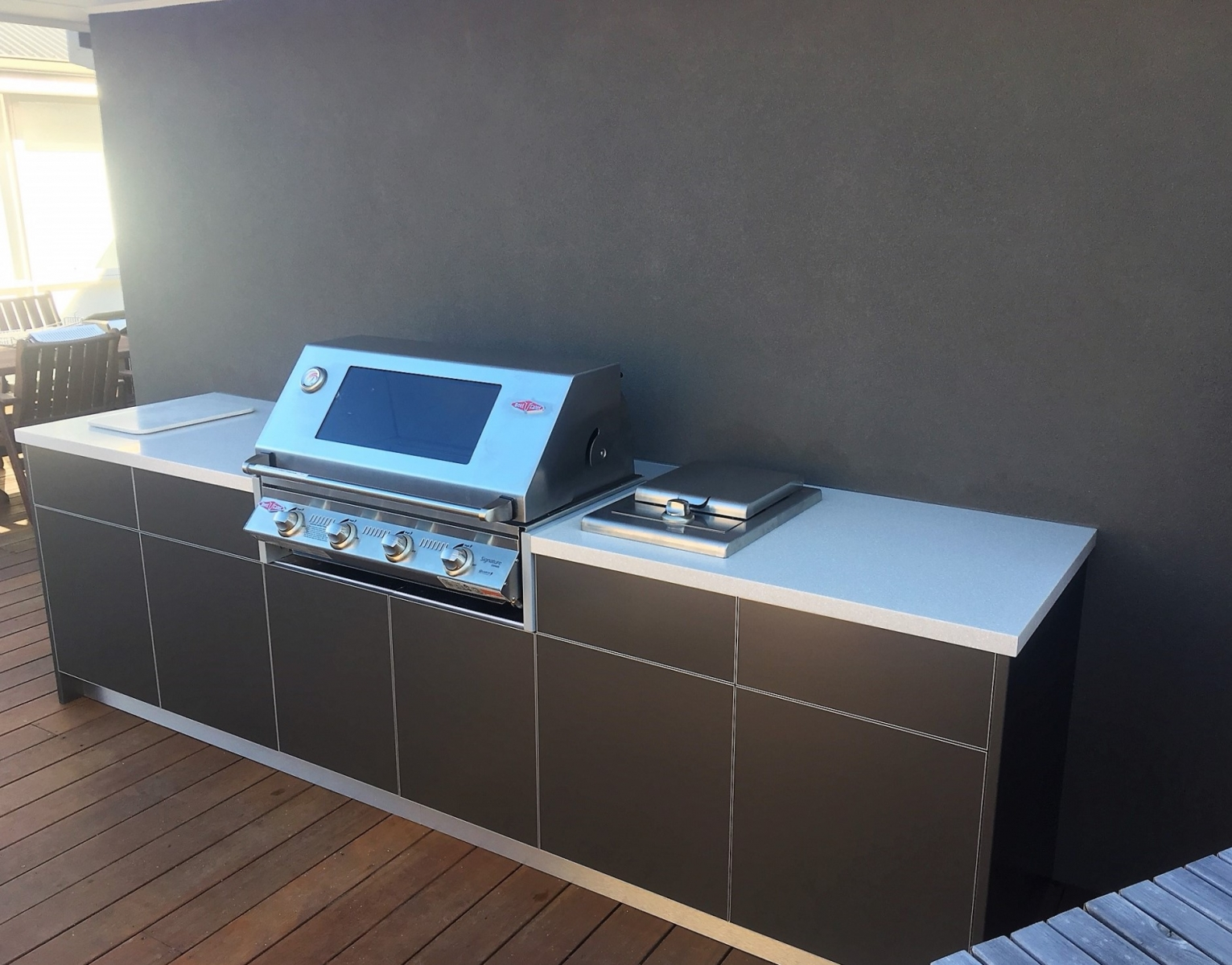 Beefeater-Signature-3000S-4-Burner-Metallic-Charcoal-Corian-Savannah-Outdoor-Kitchen