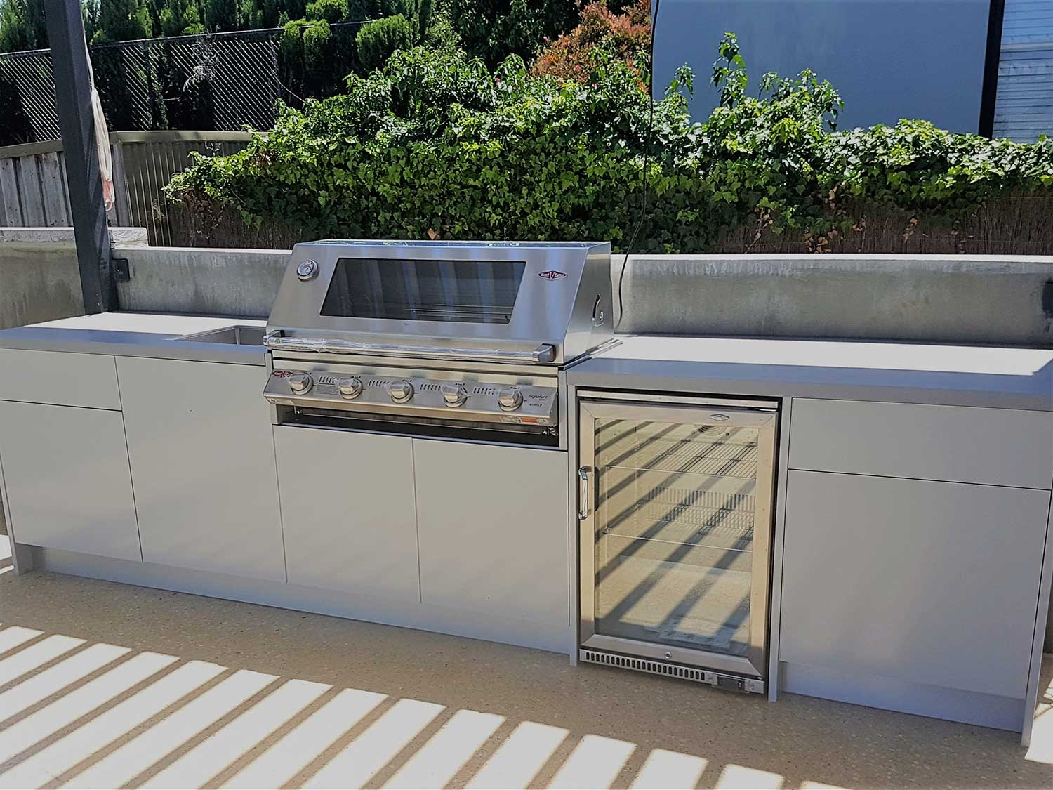 Beefeater-Signature-3000S-5-BNR-Matte-White-Corian-Dove-Outdoor-Kitchen