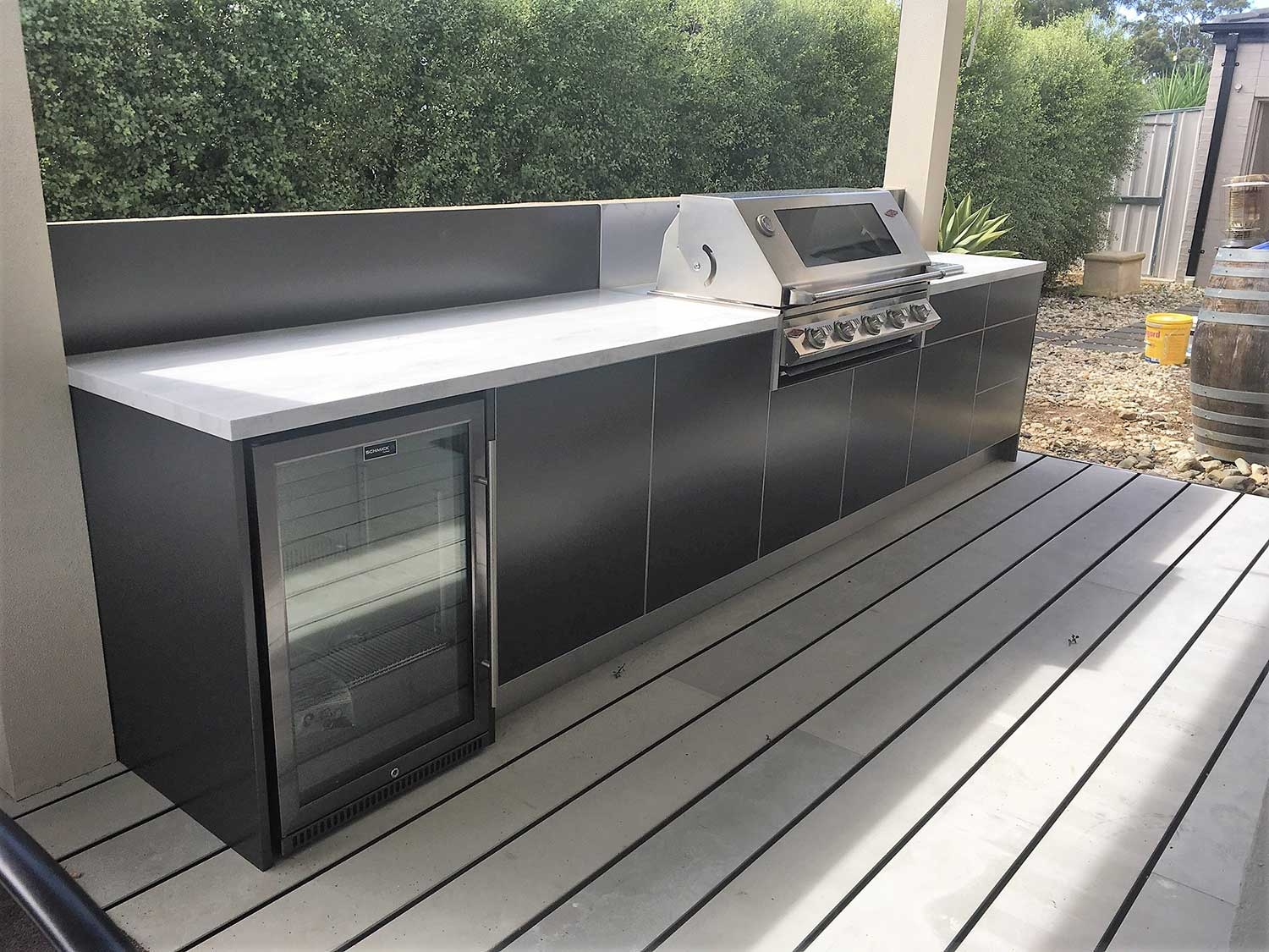 Beefeater-Signature-3000S-5-BNR-Metallic-Charcoal-Corian-Raincloud-Alfresco-Kitchen