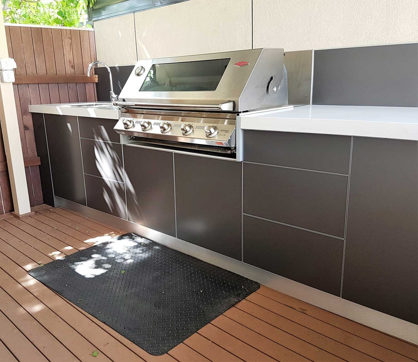 Beefeater-Signature-3000S-Outdoor-Kitchen