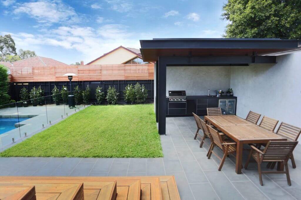 Feature Outdoor Kitchen 6
