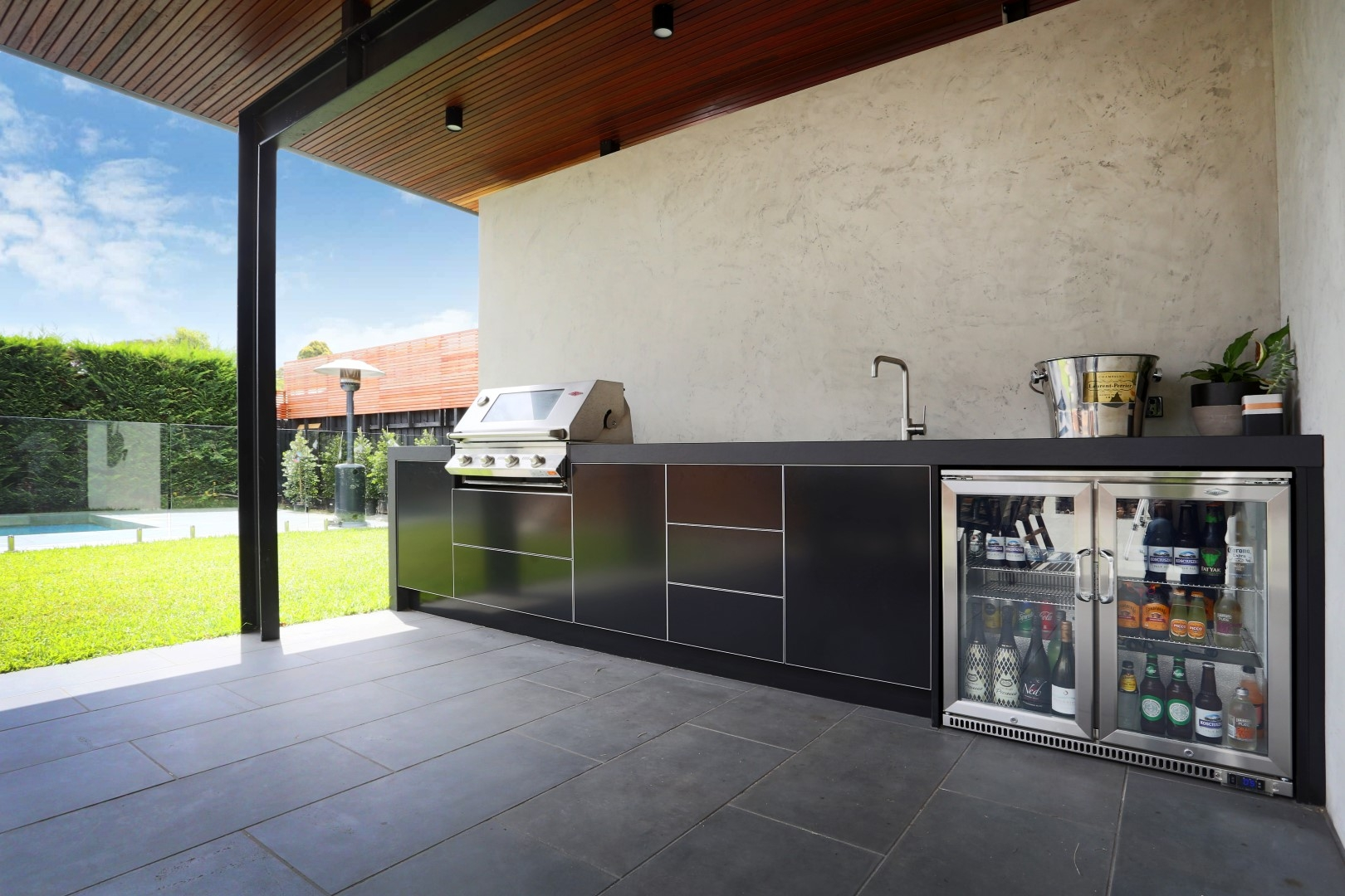 Beefeater-Signature-4-Burner-BBQ-Dekton-Sirius-Matte-Black-Outdoor-Kitchen-Hampton-Melbourne