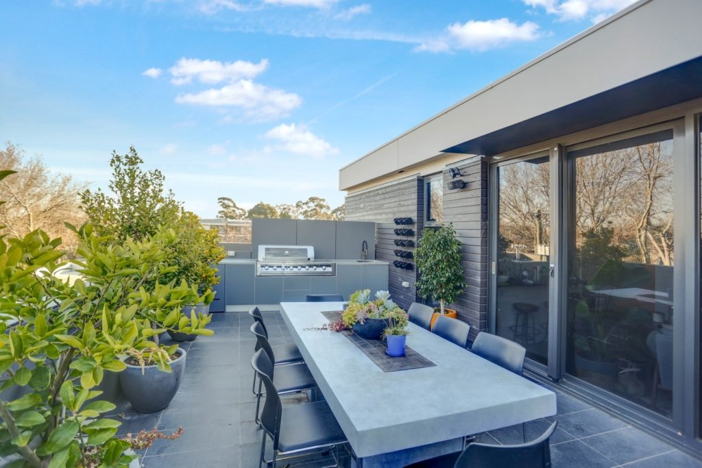 Feature Outdoor Kitchen 9