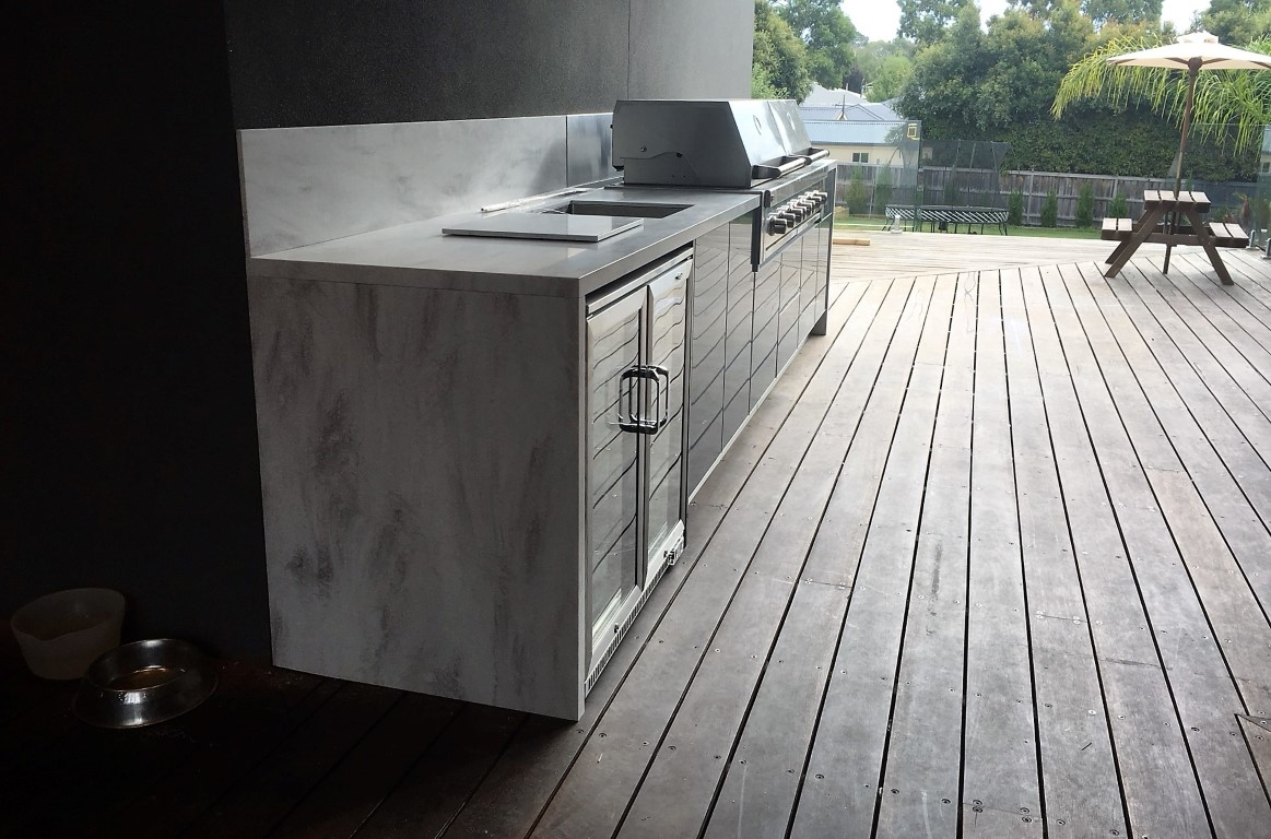 Grand-Turbo-6BNR-Steel-Grey-Corian-Raincloud-Langwarrin-Outdoor-Kitchen-project