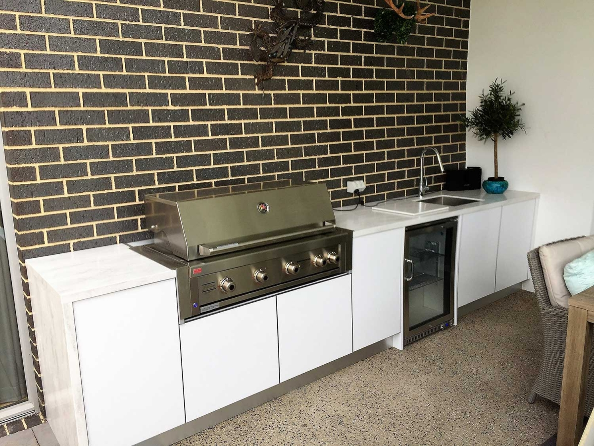 Grand-Turbo-Outdoor-Kitchen-in-Mt-Eliza-by-LimeTree-Alfresco