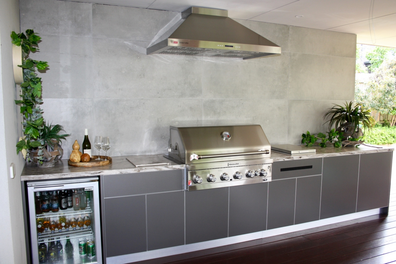 KitchenAid-6-Burner-BBQ-Metallic-Charcoal-Corian-Somkedrift-Prima-Alfresco-Kitchen-1