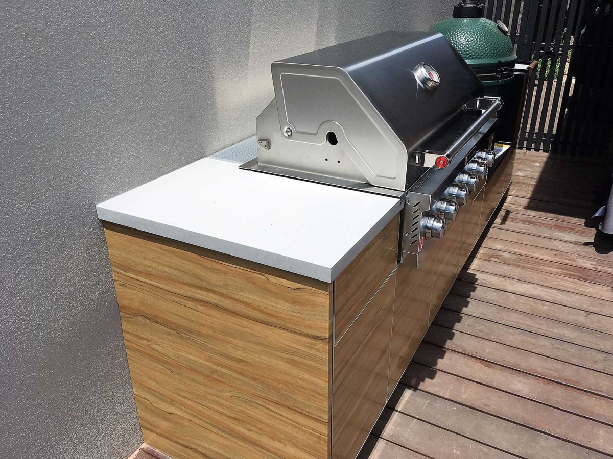 KitchenAid-6-Burner-BBQ-Sorrento-Oak-Corian-Dove-Outdoor-Kitchen