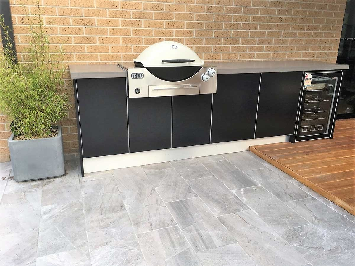 Matte-Black-Weber-Q3600-Outdoor-Kitchen
