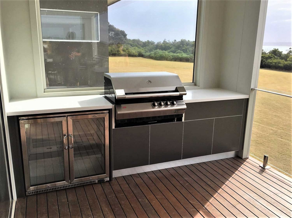 Turbo-Elite-BBQ-Metallic-Charcoal-Corian-Antarctica-Alfresco-Kitchen