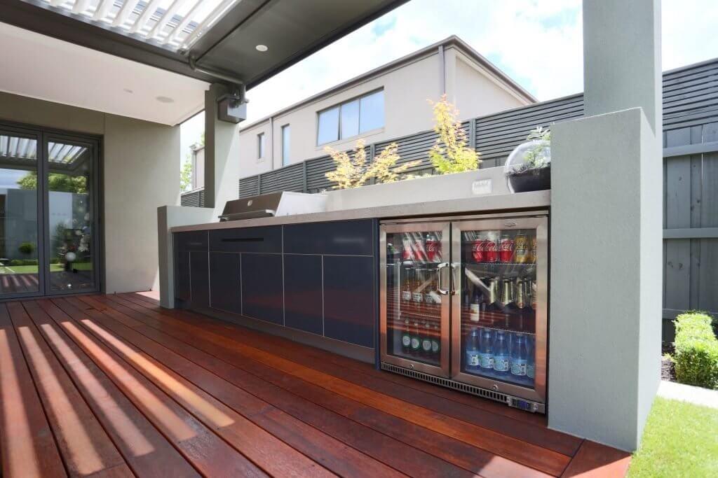 Feature Outdoor Kitchen 11