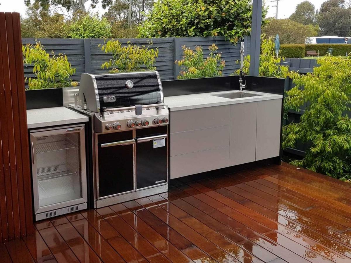 Weber-Summit-Outdoor-Kitchen-by-LimeTree-Alfresco-in-Wheelers-Hill-Melbourne
