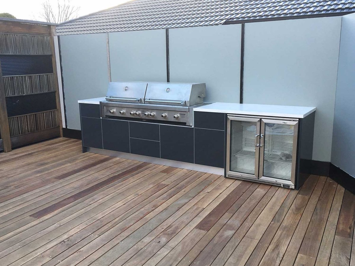 Ziegler-Brown-Grand-Turbo-6-Burner-Matte-Steel-Grey-Corian-Raincloud-Outdoor-Kitchen