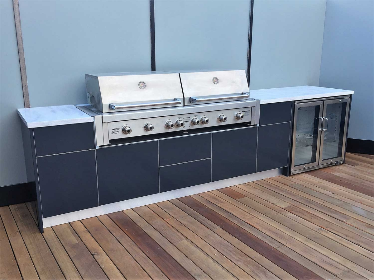 Ziegler-Brown-Grand-Turbo-6-Burner-Matte-Steel-Grey-Corian-Raincloud-Outdoor-Kitchen