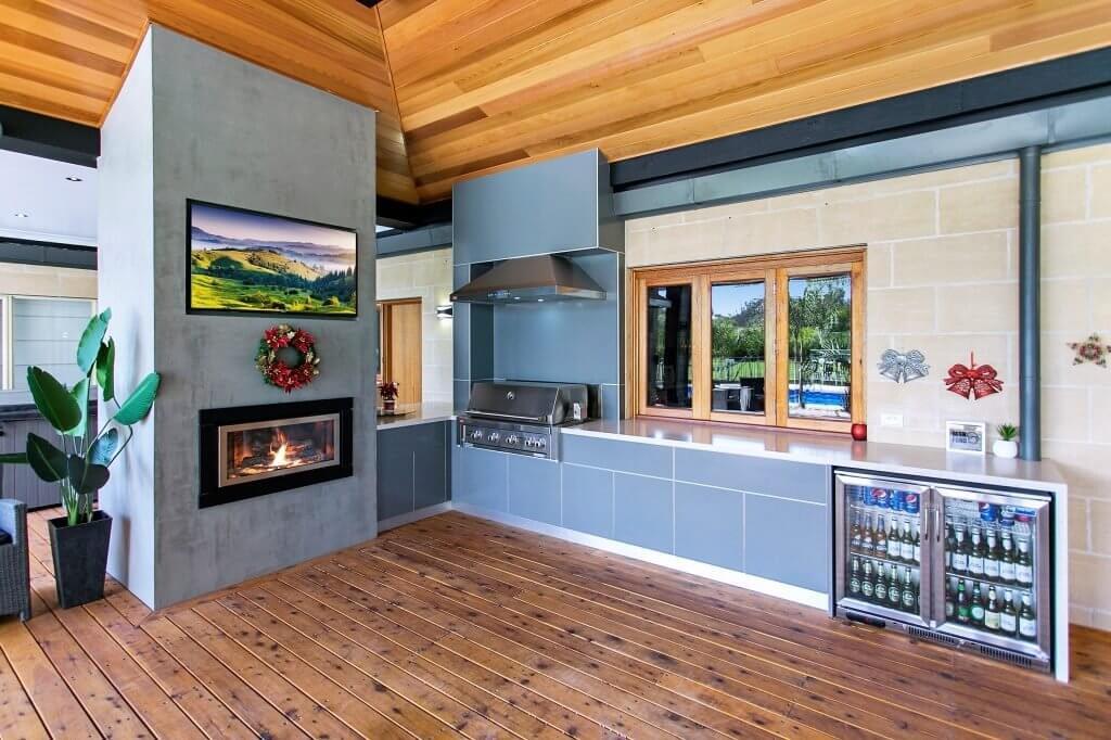 Feature Outdoor Kitchen 12